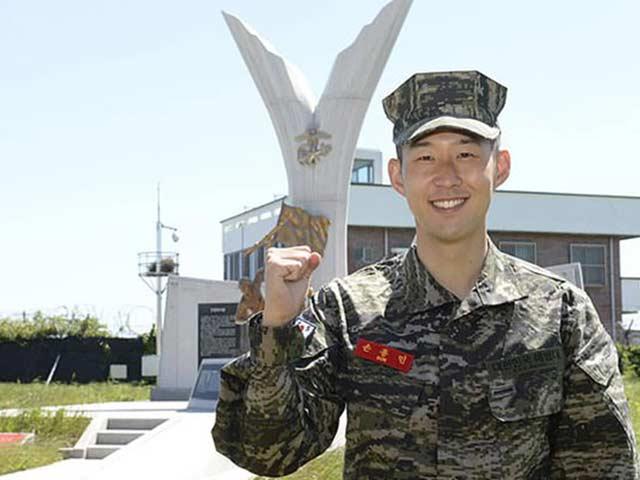 Son Heung Min hé lộ 3 tuần gian khổ đi quân sự, phải ở chung 9 đồng đội