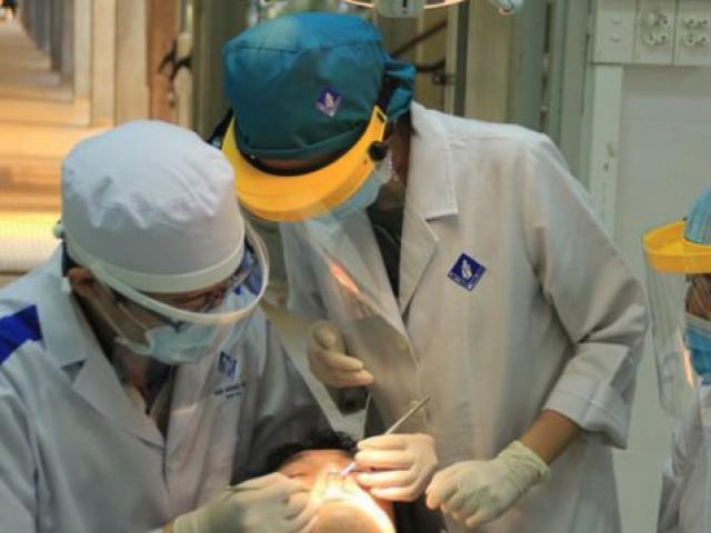 Bộ Y tế vào cuộc để làm rõ vụ học phí trường Y Dược lên đến 70 triệu/năm