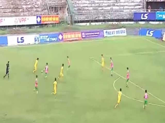 """Cực sốc trận cầu """"điên"""" bóng đá Việt: Đại tiệc 9 bàn, người hùng hat-trick"""