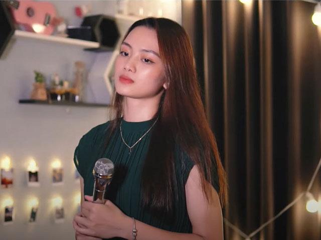 """Hot girl bóng chuyền Thu Hoài tung """"clip nóng"""", fan khen nức nở"""