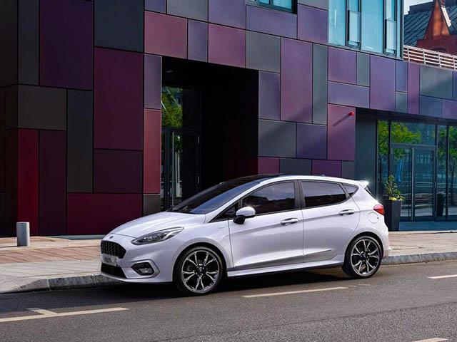 Ford Fiesta ra mắt phiên bản sử dụng động cơ lai Hybrid