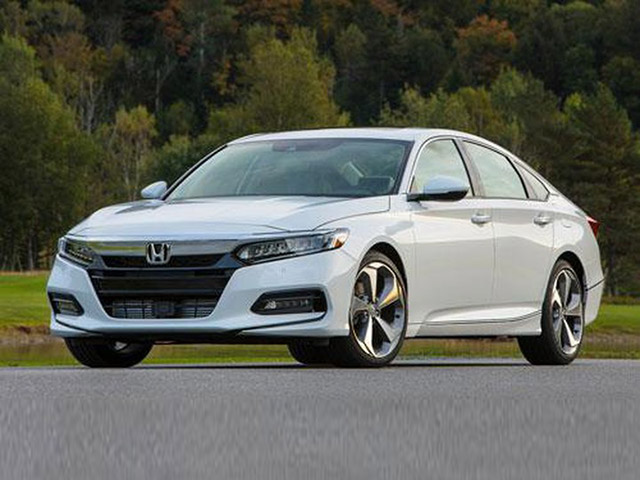 """10 mẫu xe ô tô bán """"ế"""" nhất tháng 5/2020"""