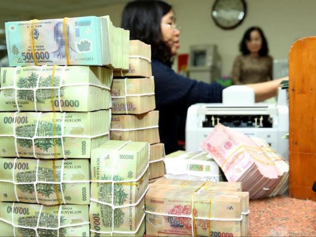 Doanh nghiệp 'khát' vốn, tiền lại ứ đọng ở ngân hàng