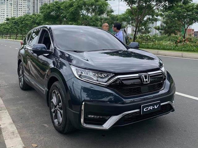 Honda CR-V bản lắp ráp tại Việt Nam xuất hiện trên đường phố