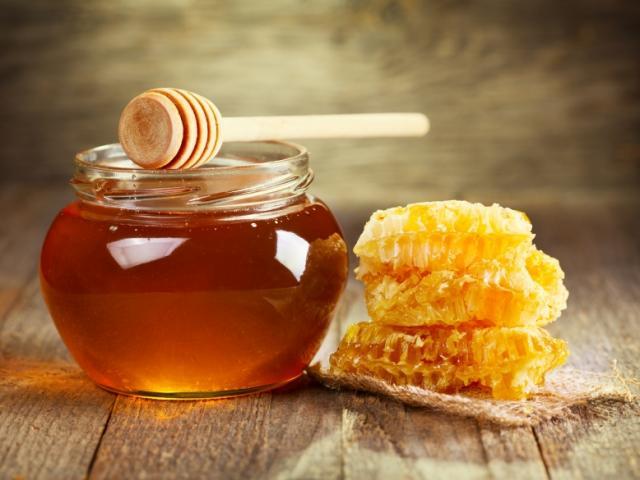 Làm thế nào để phân biệt mật ong nguyên chất với loại bị pha tạp?