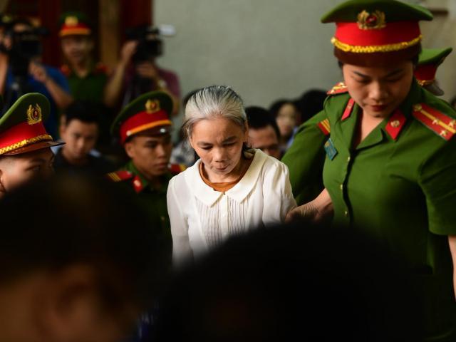 Diện mạo bất ngờ của Bùi Kim Thu tại phiên phúc phẩm vụ nữ giao gà bị hiếp, giết