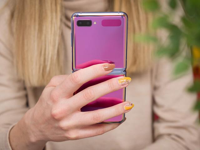 Galaxy Fold 2 và Galaxy Z Flip 5G sẽ được bán ra trễ hơn