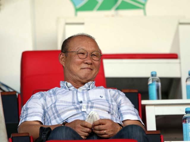 """Thầy Park cười tươi xem Tuấn Anh, Văn Toàn đấu CLB """"lạ"""" nhất V-League"""