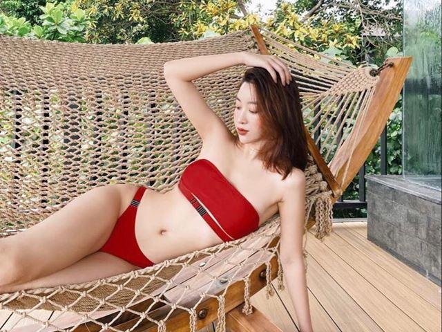 Đỗ Mỹ Linh hiếm hoi khoe dáng với bikini gợi cảm sau phát ngôn chỉ thích yêu trai hư
