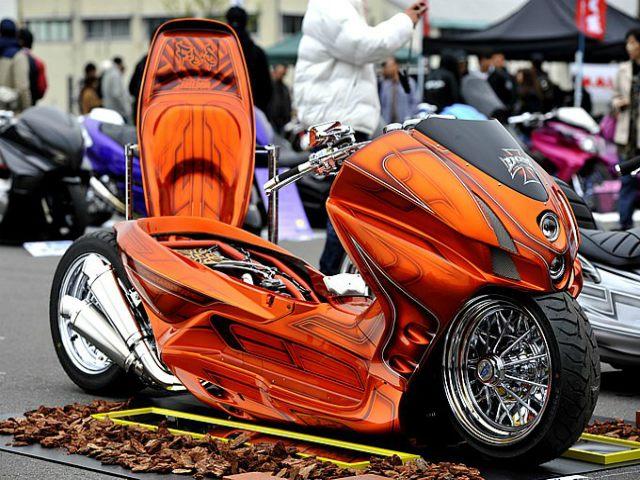 Xe ga Honda Forza độ hàng khủng, nhìn như trong phim viễn tưởng