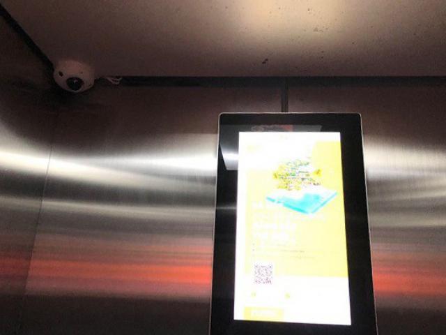 Tạm giữ hình sự người đàn ông bị tố dâm ô bé trai trong thang máy chung cư ở Hà Nội