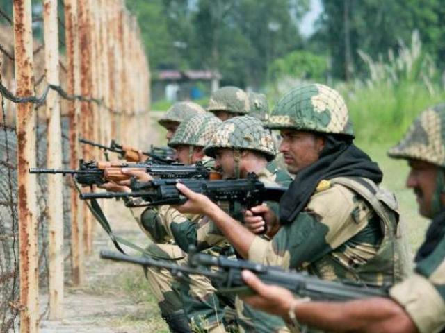 Ấn Độ thay đổi bất ngờ: Cho phép binh sĩ nổ súng khi tuần tra vùng tranh chấp với TQ
