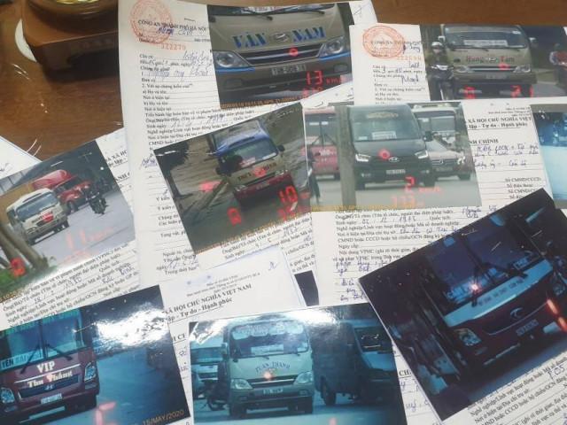 """CSGT hoá trang ghi hình, xử phạt hàng loạt xe khách """"rùa bò"""" quanh bến xe"""