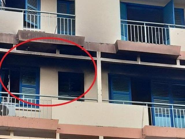 Cháy khách sạn công đoàn, cô gái tử vong, nam giáo viên bị thương