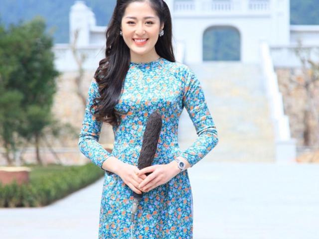 """MC Quảng Ninh, """"siêu phẩm dao kéo"""" Nam Định hot show hẹn hò vì quá xinh, bí quyết là đây"""