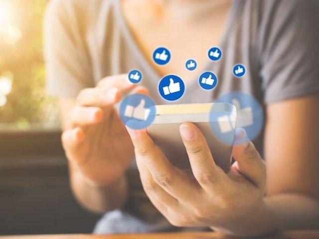 Facebook đang bị tẩy chay, bạn nên làm ngay việc này để đề phòng trường hợp xấu nhất