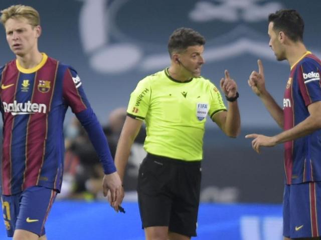 """""""Sự cố"""" bất ngờ trước siêu kinh điển Real Madrid - Barca, đội Messi gặp điềm may"""