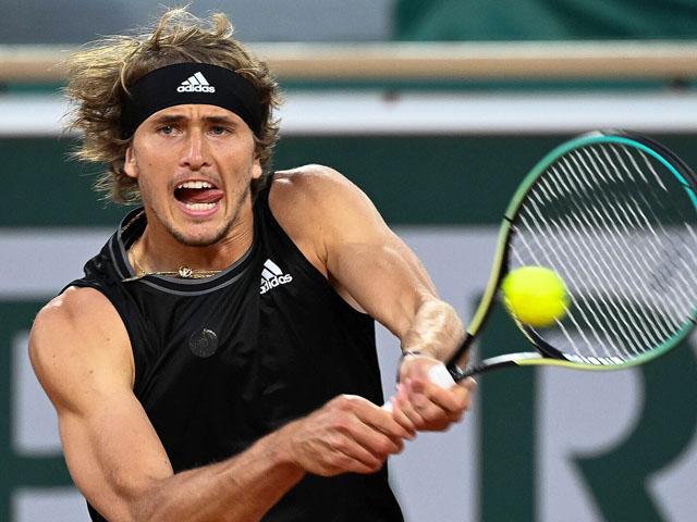 "Video tennis Zverev - Fokina: ""Mưa break"" dồn dập, chóng vánh 1 giờ 38 phút (Roland Garros)"