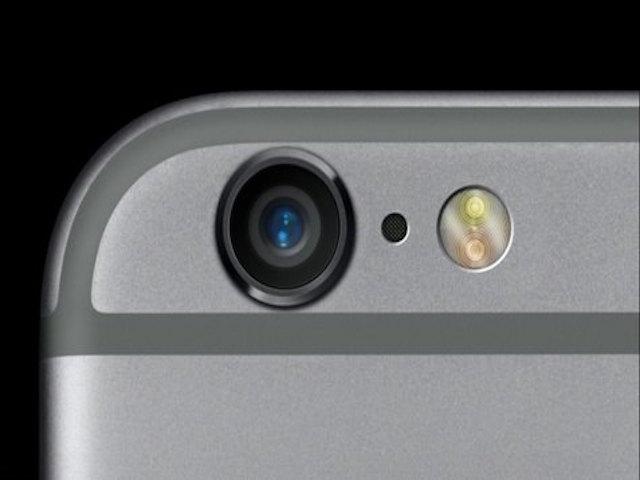 Lỗ đen giữa camera sau và đèn flash của iPhone 6 là gì?