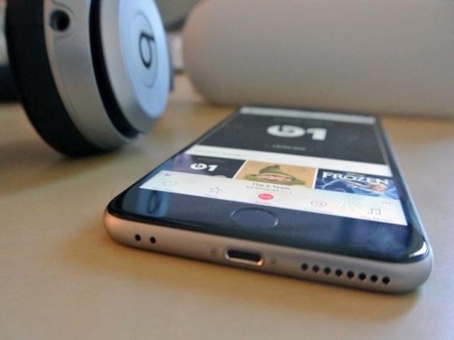 iPhone 7 không có jack tai nghe 3,5mm để chống vô nước?