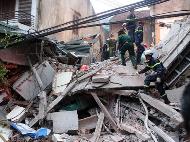 Chùm ảnh hiện trường đổ nát sau vụ sập nhà 4 tầng ở HN