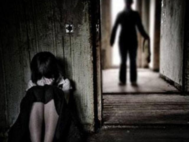 Khai quật bào thai để điều tra vụ hiếp dâm