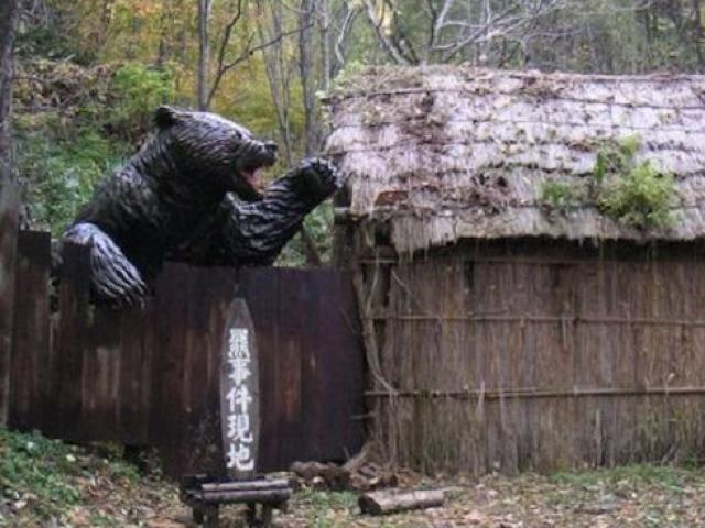 """Gấu """"tử thần"""" cao 2,7m ăn thịt người gây kinh hoàng ở Nhật"""