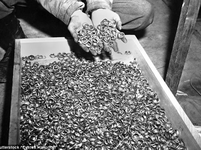 Tìm thấy kho báu 15.000 tỉ của phát xít Đức trong rừng