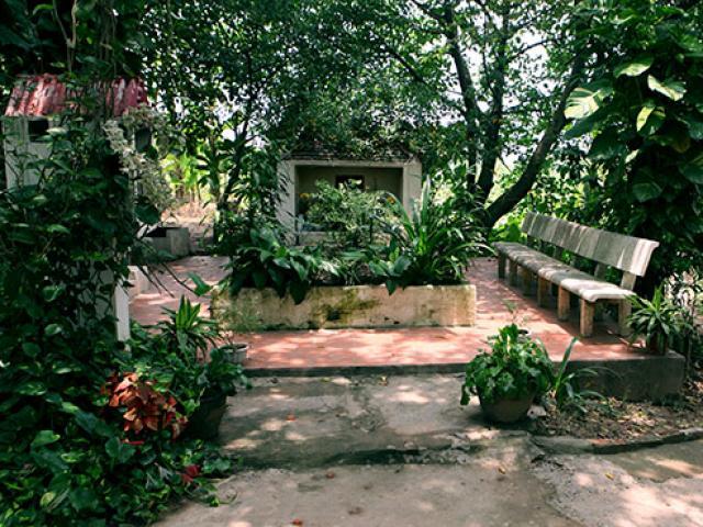 Bí ẩn ngôi miếu thờ hai thiếu nữ ở bãi giữa sông Hồng