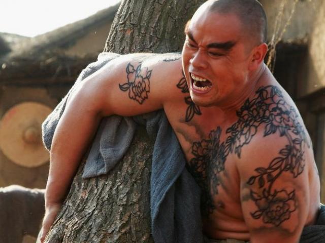 """""""Lỗ Trí Thâm"""" của Tân Thủy Hử là ngôi sao cơ bắp nhất Trung Quốc"""