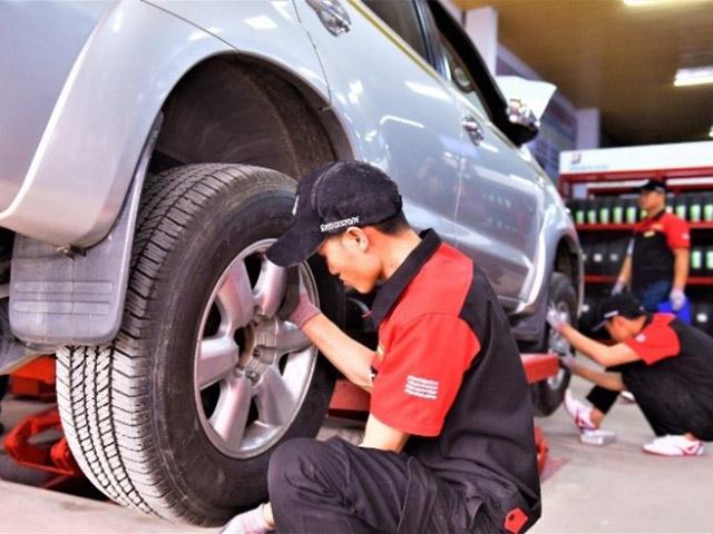 Chăm sóc xe và lốp tại Việt Nam: bài toán vẫn còn bỏ ngỏ