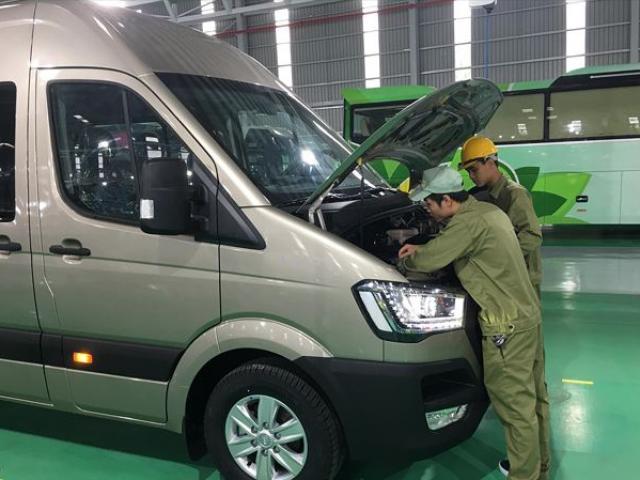 Xe nhập khẩu ồ ạt tràn về, doanh nghiệp sản xuất lắp ráp ô tô sẽ ra sao?