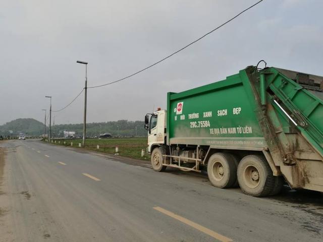 Giá đền bù đất tăng lên 5 lần, dân tháo gác chắn giải phóng bãi rác Nam Sơn