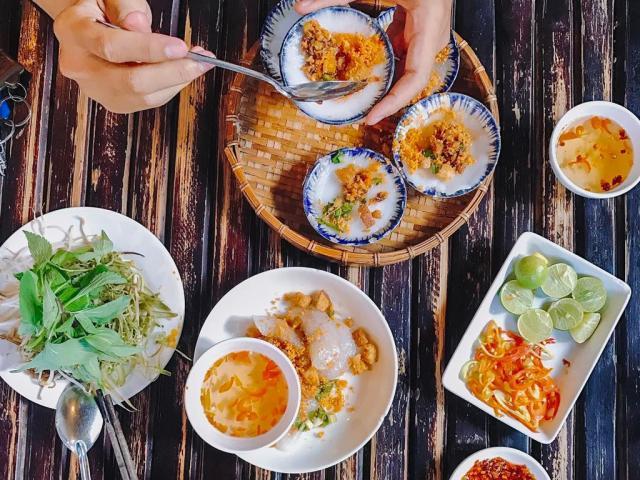 Những quán bún bò ngon hết xảy ở Sài Gòn