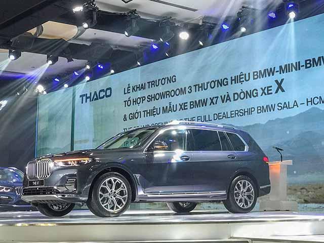 BMW X7 và showroom kết hợp ba thương hiệu chính thức có mặt tại Việt Nam