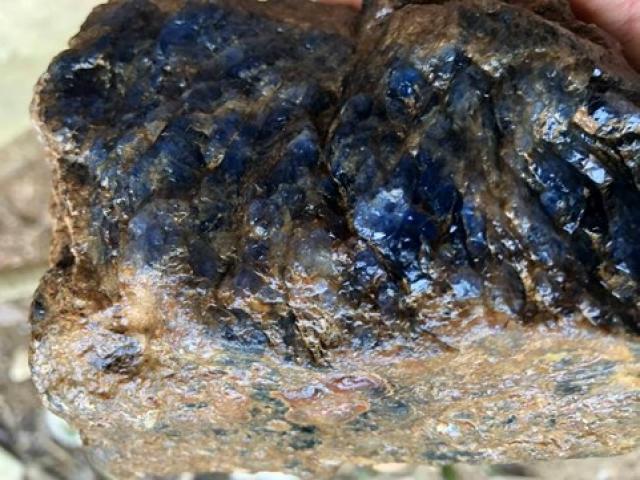 Xôn xao cục đá quý 4 tỷ đồng ở Yên Bái: Bộ TNMT đang kiểm tra mỏ còn đá quý không