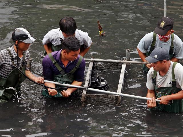 """""""Bảo bối"""" của Nhật sắp hết thử nghiệm: Xin lùi ngày, chờ nước sông Tô Lịch đen như cũ"""
