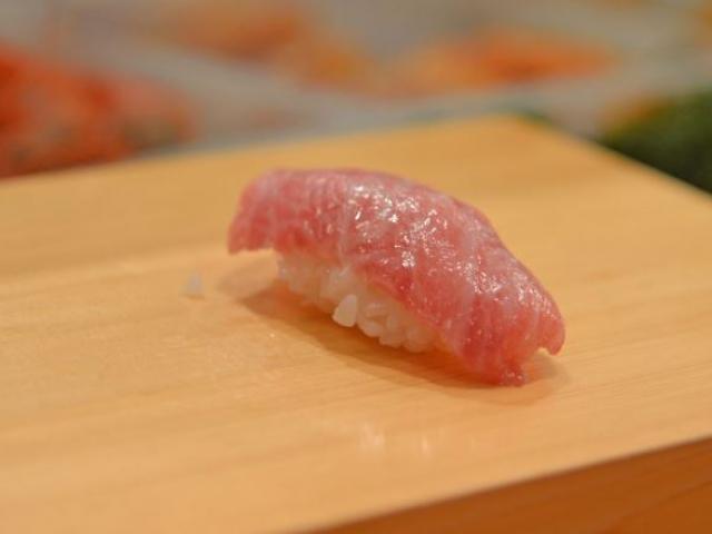 Ngất ngây với những món sushi đắt đỏ nhất Nhật Bản
