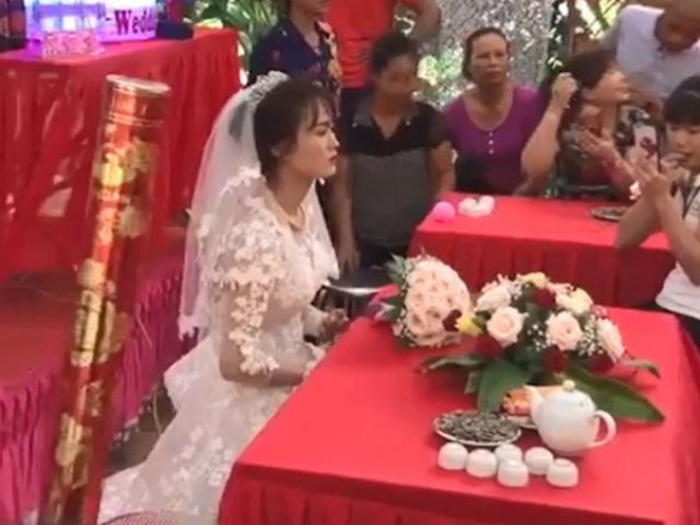 """Đám cưới không chú rể ở Quảng Trị: """"Tình yêu cổ tích"""" của cô giáo mầm non và anh lính biển"""