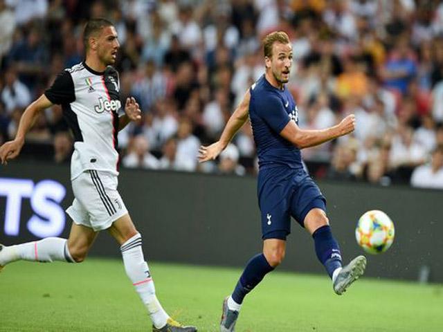 """Harry Kane sút từ giữa sân thành bàn, """"gieo sầu"""" cho Ronaldo - De Ligt"""
