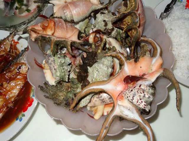 10 món ăn kỳ lạ nhất thế giới được các travel blogger nhớ suốt đời