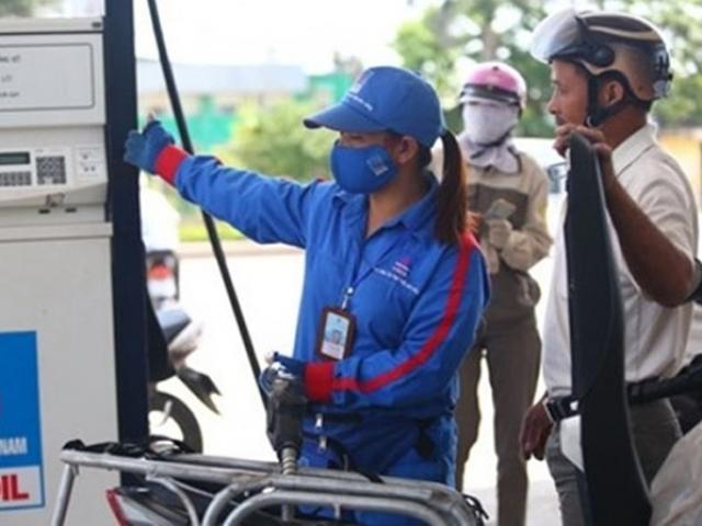"""Tăng lương, giá điện và xăng dầu """"kích"""" CPI tăng"""