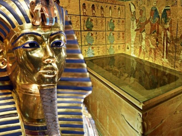 Xem phục chế quan tài mạ vàng của Vua Pharaoh nổi tiếng nhất Ai Cập