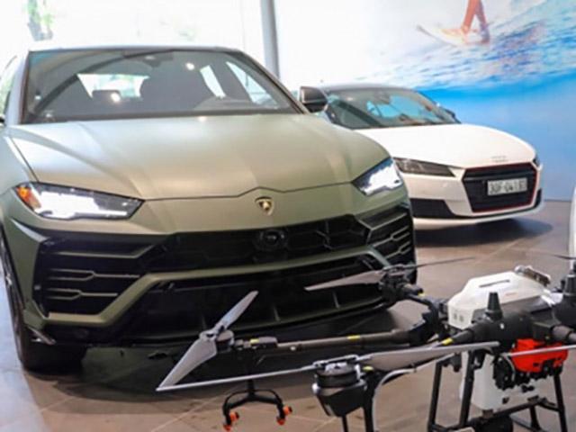 Cận cảnh Lamborghini Urus với ngoại thất màu xanh quân đội của đại gia Đặng Lê Nguyên Vũ