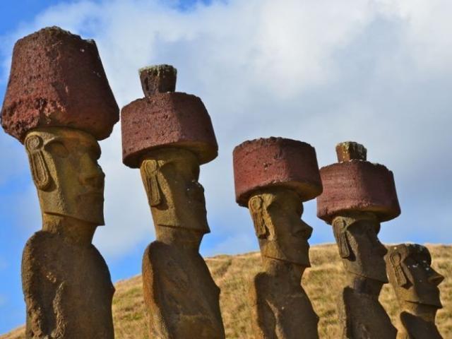 Bí ẩn những bức tượng người trên đảo phục sinh