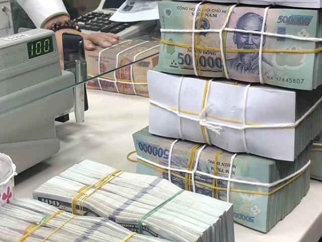 """Tiền gửi vào ngân hàng có dấu hiệu """"chững"""" lại"""