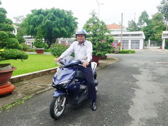 Bộ trưởng Thể mong Hậu Giang thí điểm Chủ tịch tỉnh đi làm bằng xe máy
