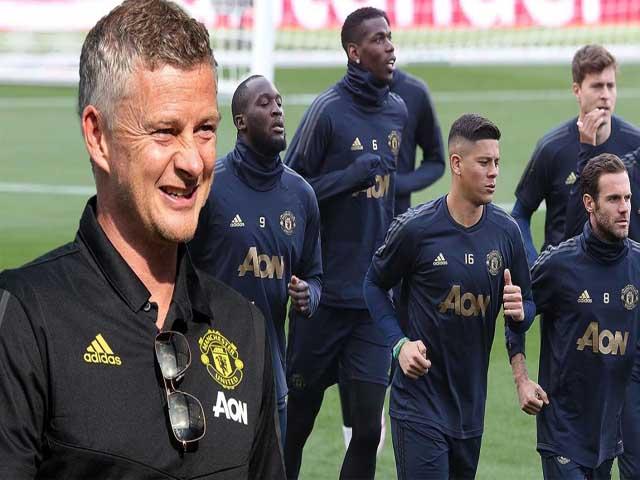 """MU chuyển nhượng: Maguire đẩy trò cưng Mourinho ra đường, 20 SAO bị """"trảm"""""""