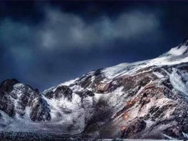 Những điều kỳ lạ xung quanh ngọn núi Côn Lôn bí ẩn