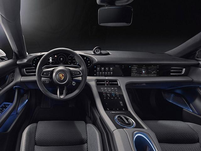 Xe điện Porsche Taycan lộ hình ảnh nội thất đầy công nghệ với 04 màn hình kỹ thuật số